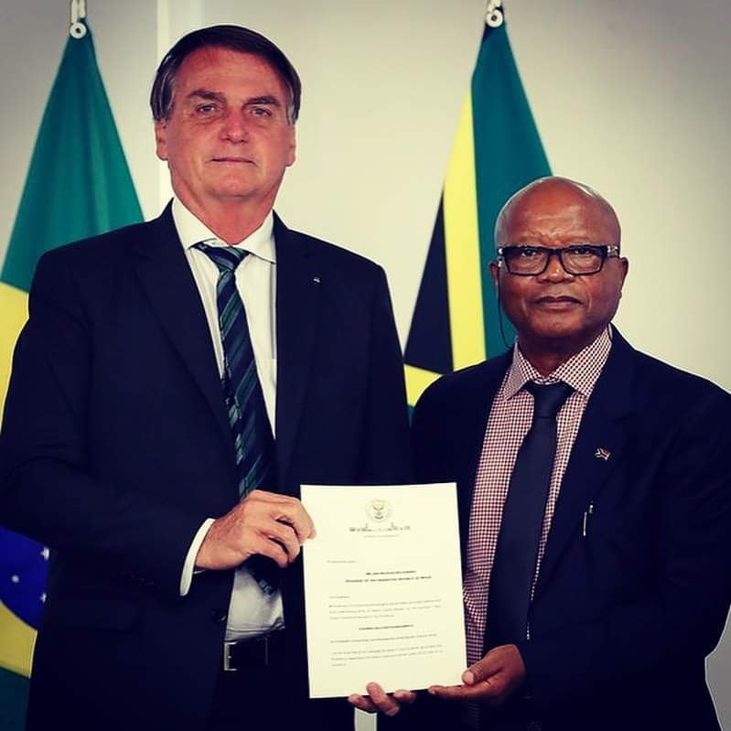 On 22 February 2021, H.E. Ambassador Vusi Mavimbela to the Federative Republic of Brazil🇿🇦🇧🇷 presented his letters of credence as the Ambassador Extraordinary and Plenipotentiary of the Republic of South Africa to the Federative Republic of Brazil🇿🇦🇧🇷 to H.E. President Jair Bolsonaro, in a ceremony held at Palácio do Planalto, of the Brazilian Presidency.