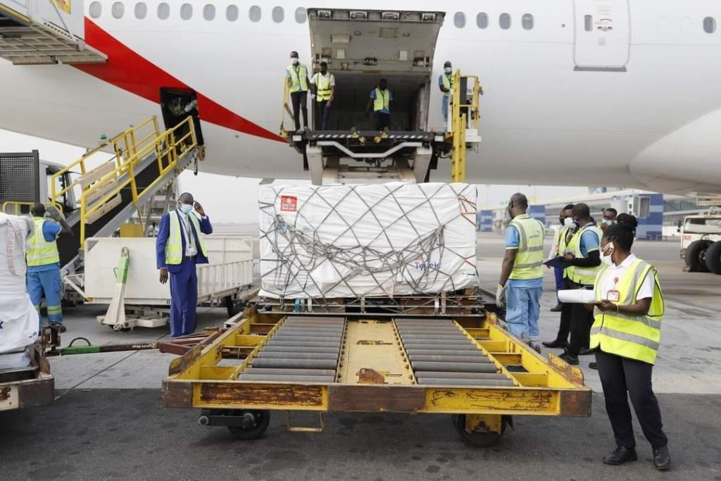 600,000 COVID-19 VACCINES ARRIVED IN ACCRA, GHANA🇬🇭
